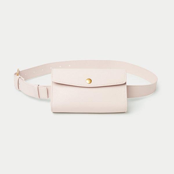 Sac-ceinture-ou-«-sac-de-taille-»-en-cuir-Aritzia