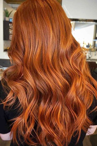 Tendance-coloration-cheveux-de-lautomne-2019-orange-sanguine