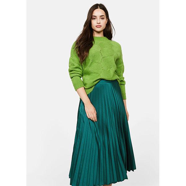 11.Mode-taille-plus_Jupe-midi-plissée-Violeta-par-Mango