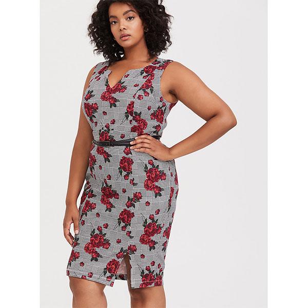 12.Mode-taille-plus_Robe-à-carreaux-et-à-motif-floral-Torrid