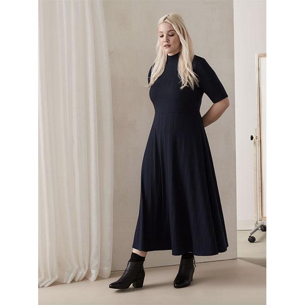 20.Mode-taille-plus_Robe-côtelée-midi-évasée-Addition-Elle