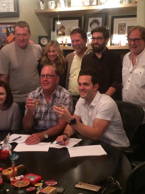 Ryan Kinder with Warner Music Nashville Staff.