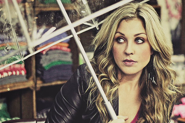 "Sunny Sweeney - ""You Don't Know Your Husband"""
