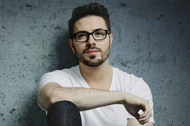 "Danny Gokey - ""Hope In Front Of Me"""
