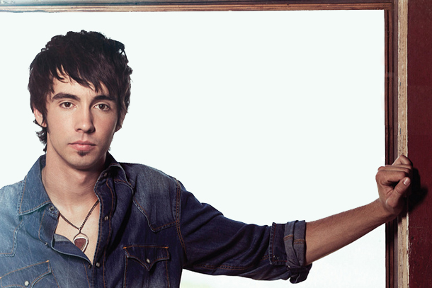 "Mo Pitney - ""Country"""