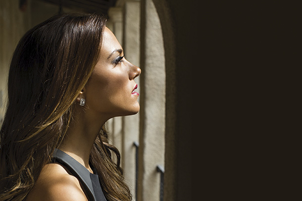 Jana kramer To Return To Opry Tuesday