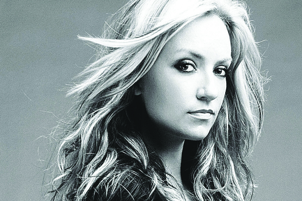 "Clare Dunn - ""Move On"""