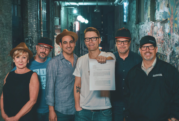 Bobby Bones' Band The Raging Idiots Inks Record Deal