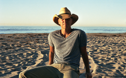 Kenny Chesney Scores Career First With Dual Hits