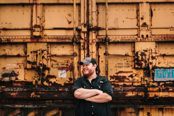 Luke Combs Signs With Sony's Columbia Nashville