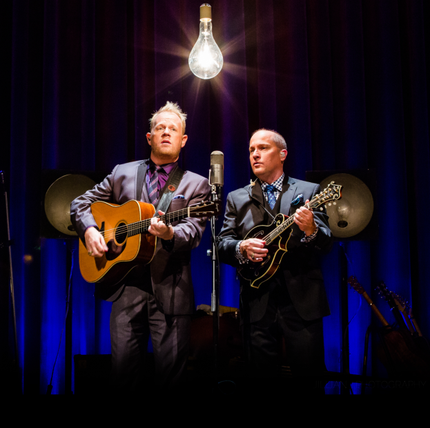 "Dailey & Vincent Sign With Dreamlined Music Group; Release ""Patriots & Poets"" Later This Month"