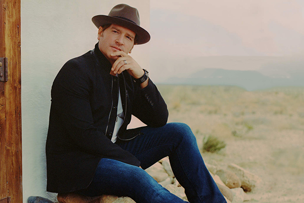 "Jerrod Niemann - ""God Made A Woman"""