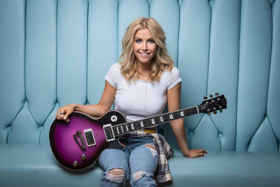 Sacramento Country Station Cancels Lindsay Ell Show Because of Her Relationship To Bobby Bones