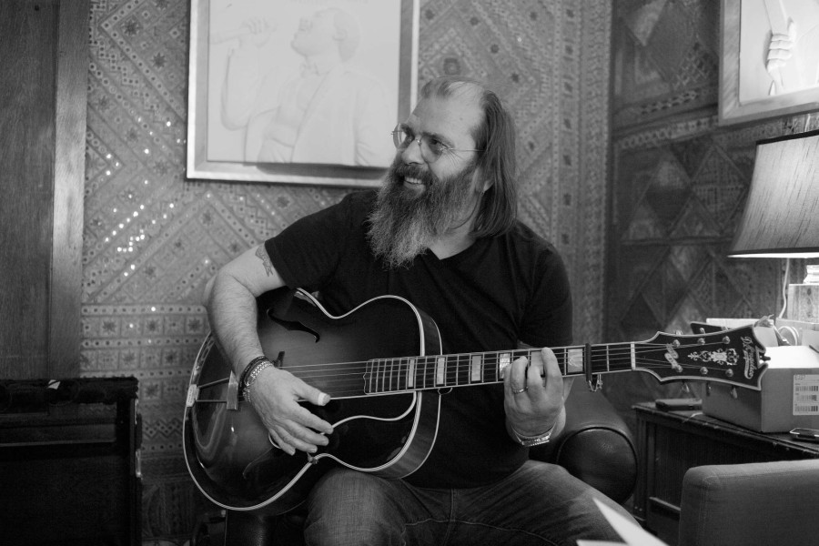 "Album Review: Steve Earle & The Dukes - ""So You Wanna Be An Outlaw"""