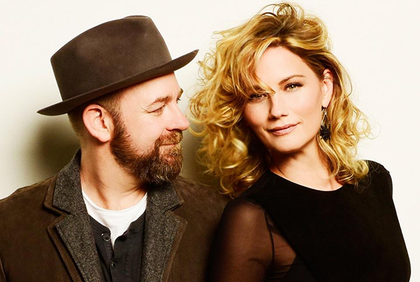 "Album Review: Sugarland - ""Bigger"""