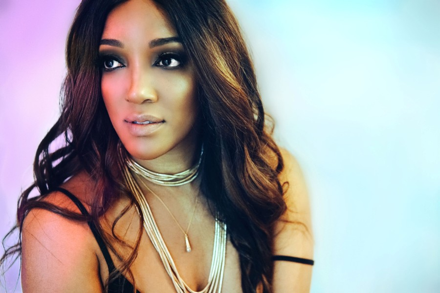 """Mickey Guyton Releases New Single """"Sister"""""""