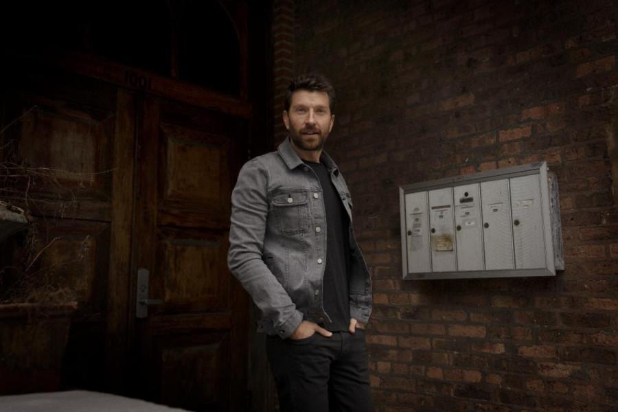 "Album Review: Brett Eldredge - ""Sunday Drive"""