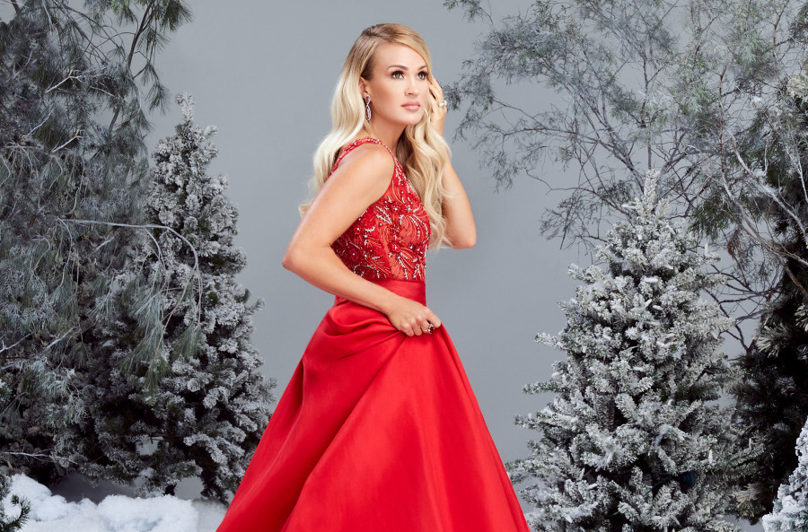 "Carrie Underwood To Release First Christmas Album ""My Gift"" This Fall"