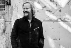 Travis Tritt Announces