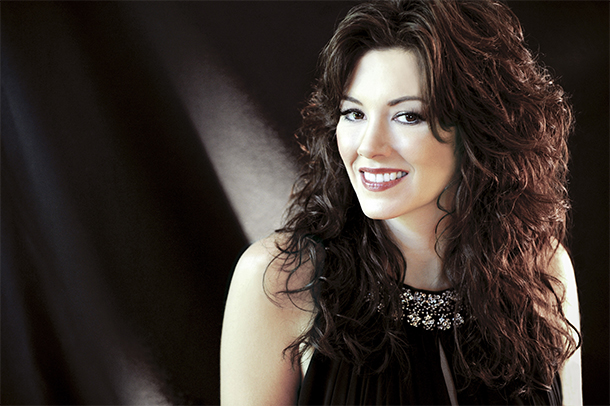 """Mandy Barnett Discusses """"I Can't Stop Loving You,"""" Her Don Gibson Tribute Album"""