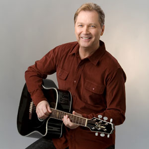 """Steve Wariner Celebrates The Holidays With """"Guitar Christmas"""""""