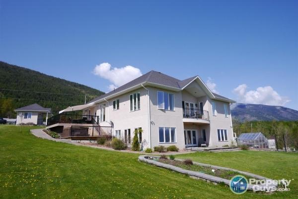 West Kootenay Property For Sale
