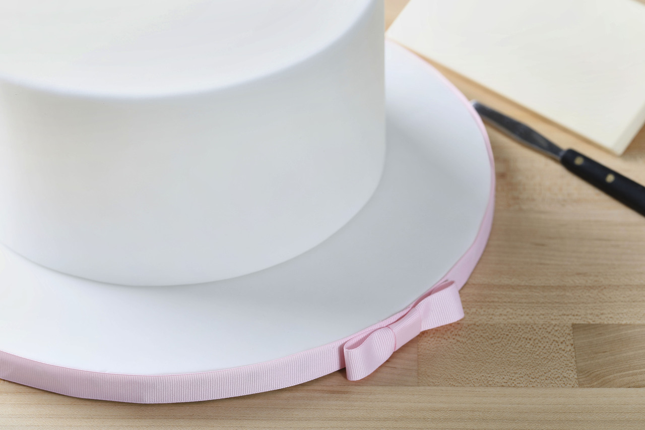 Unit 8  header  cake decorating principles   modified fondant.jpg
