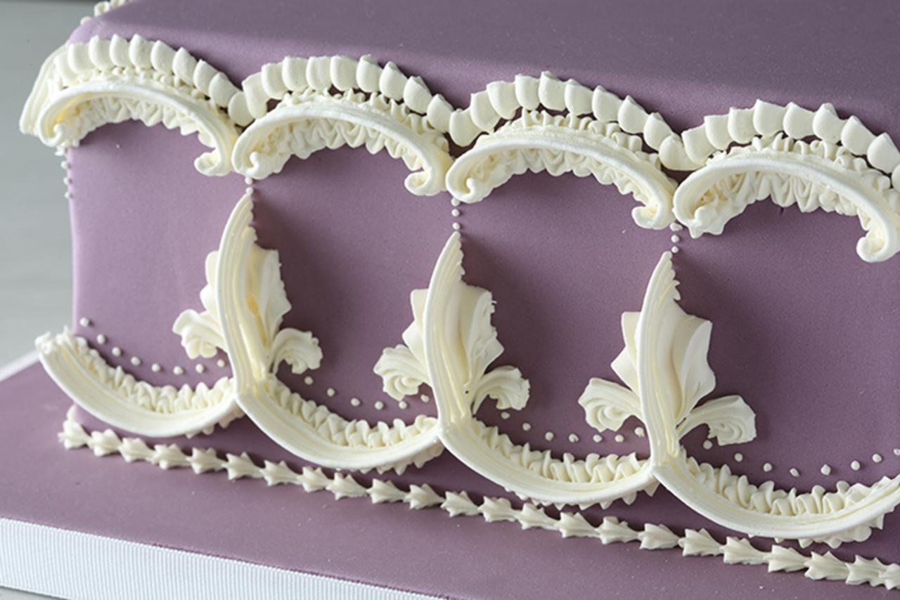 Unit 12  header   cake decorating principles   advanced royal icing piping