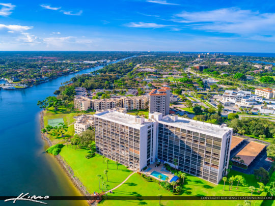North Palm Beach Condo Walong the Waterway