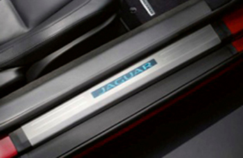 Door Sill Treadplates, Illuminated - Jaguar (T2R6090)