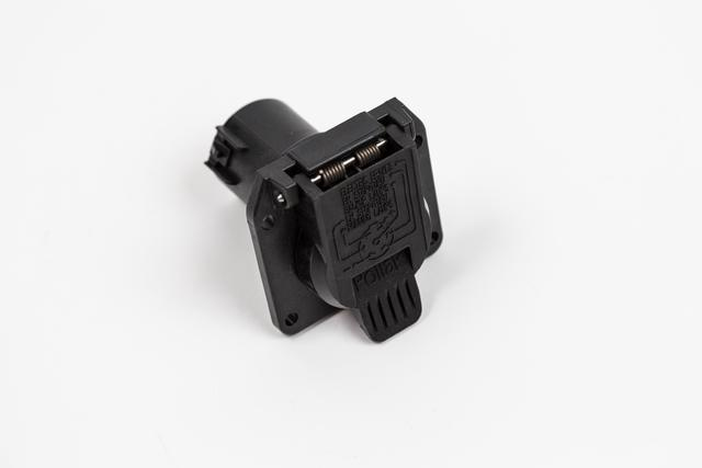 7-Pin Connector With Car Flap Box - Volkswagen (7L0-055-305-N)