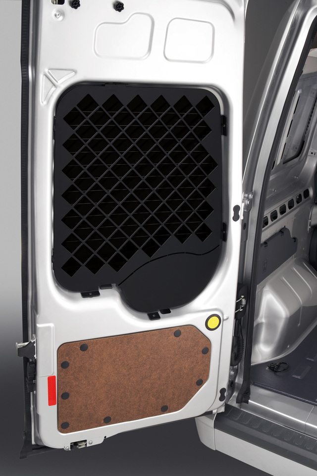 Window Grille, Rear Set