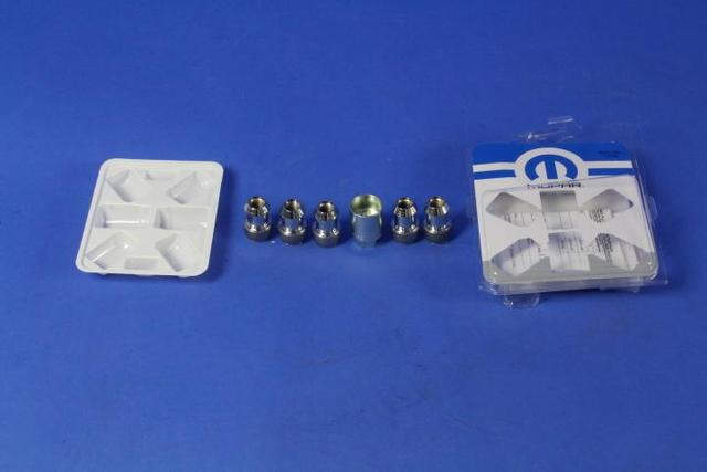 Wheel Locks - Mopar (82211405)