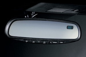 Auto-Dimming Rear View Mirror With Compass