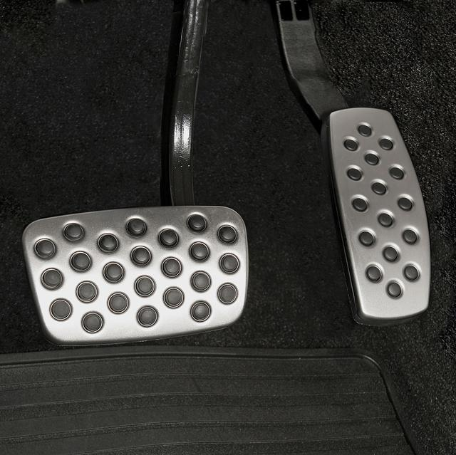 BRAKE AND ACCELERATOR PEDAL COVERS SET - GM (19212762)