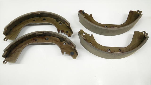 Rear Genuine Toyota Brake Shoe Set - Toyota (04495-35230)