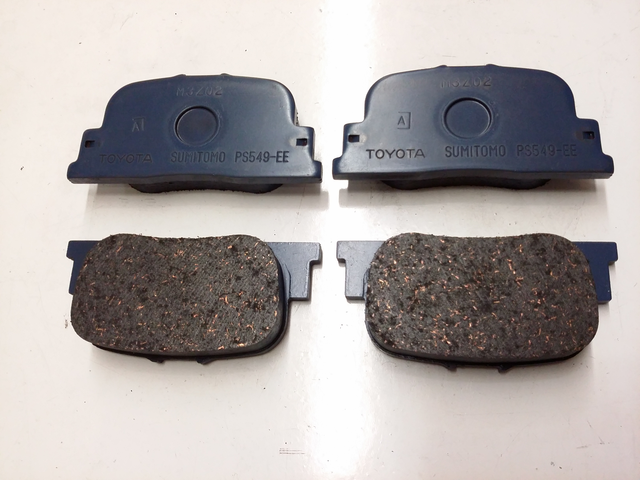 OEM (stock) Rear Brake Pads - Toyota (0446632040)