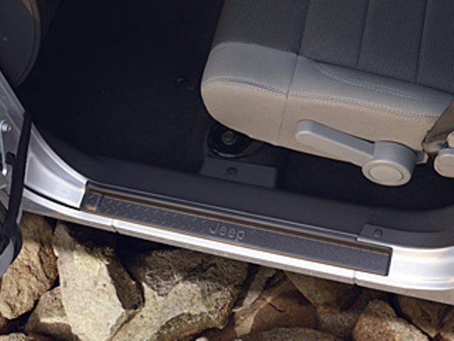 JEEP WRANGLER JK UNLIMITED DOOR SILL GUARD KIT - Mopar (82210106AB)