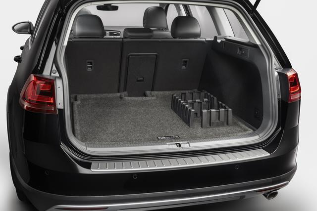 Heavy Duty Trunk Liner With Cargo Blocks - Volkswagen (5G9-061-166-469)