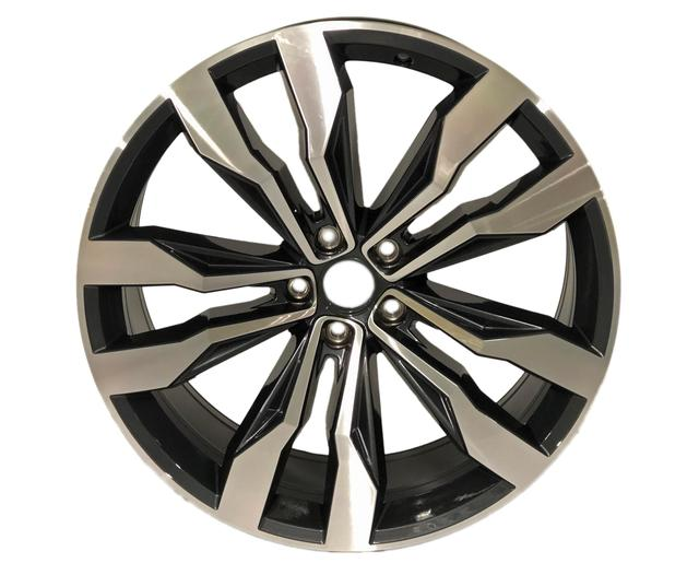 21 -Inch Two Tone Machined Wheel - Volkswagen (3QF-601-025-F-NQ9)