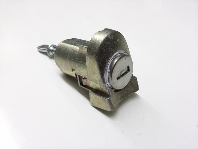 1C0-837-167-D 1998-2010 Volkswagen Beetle Lock Cylinder
