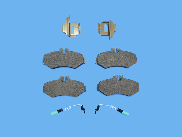 Disc Brake Pad Kit - Mopar (5103557AA)