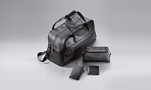 Travel in style with Porsche leisure bags.