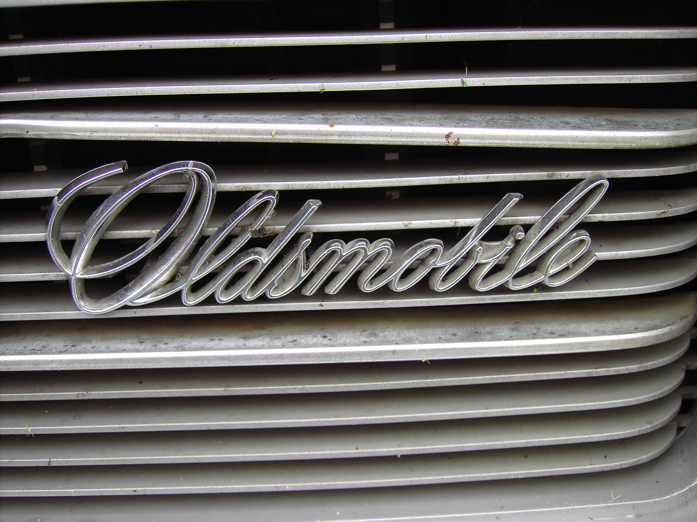 Oldsmobile Worn Grille