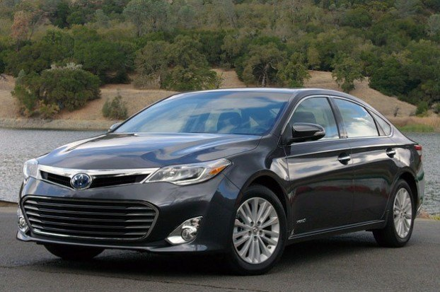 2013 Toyota Avalon Best Interior - Wards Auto - Exterior