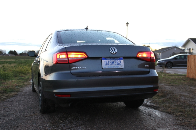 2015 jetta se rear view