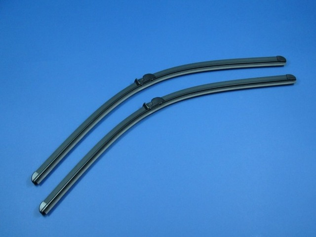Windshield Wiper Blade - Mercedes-Benz (211-820-31-45)