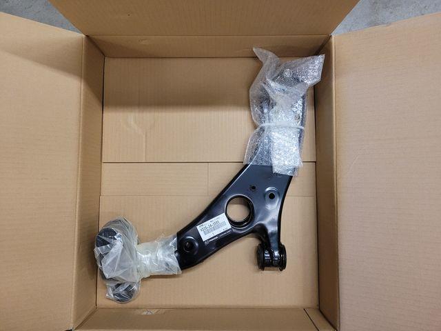 KD3534350S Genuine Mazda ARM ,LOWER KD35-34-350S L
