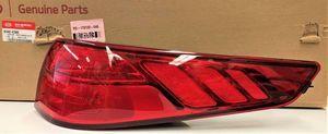 Tail Lamp Assembly - Kia (92402-4C500)
