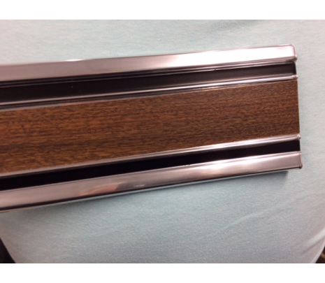 1969-1972 C10 shortbed RH Door Lower side molding woodgrain IMPORT no clips - Classic Muscle (1703R)